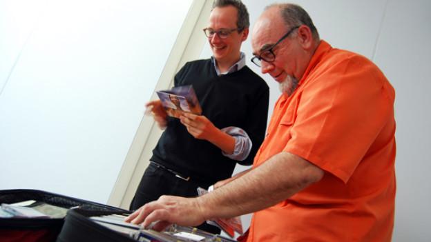 Unternehmer Robert Trunz hat seine halbe CD-Sammlung mitgenommen.