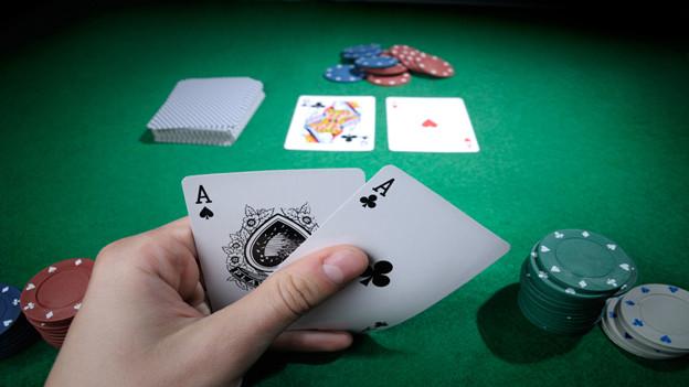 Poker hat den Sprung aus den Spielcasinos an den Stammtisch geschafft.