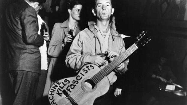 Ist politisch motovierte Musik ein Relikt aus Woody Guthries Zeiten?