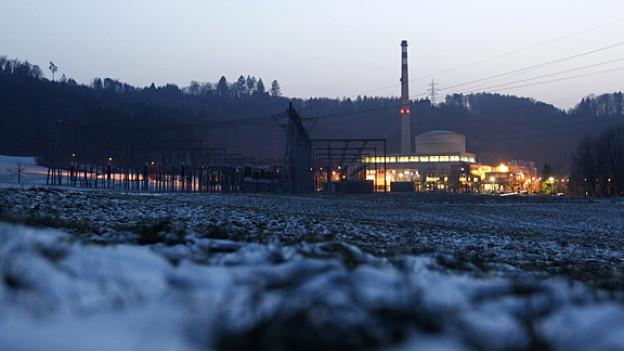 Atomenergie verursacht Atommüll. Der muss weg, aber keiner will ihn. Im Bild das Kernkraftwerk Muehleberg.