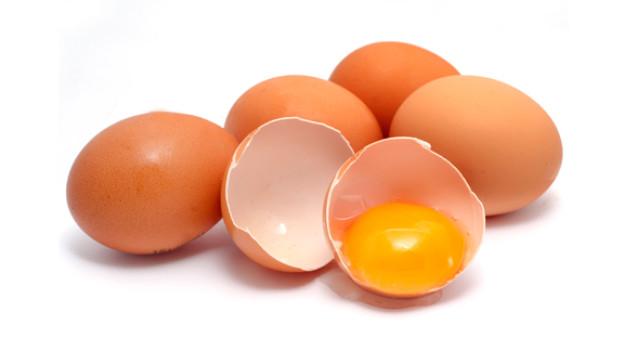 Rund um die Osterfeiertage verspeisen Herr und Frau Schweizer rund 50 Millionen Eier.