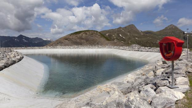 Der teilweise gefüllte Speichersee «Fallboden» über der «Kleinen Scheidegg» oberhalb Grindelwald im Kanton Bern.