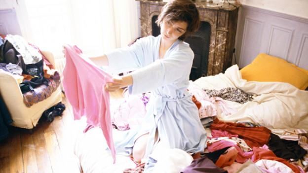 Alle Jahre wieder... Kleider durchstöbern, kritisch anschauen, Ungetragenes weggeben.