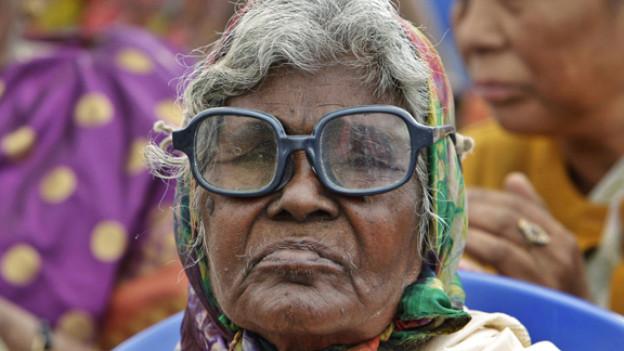 Das Brillenmodell dieser Inderin ist uns leider nicht bekannt.