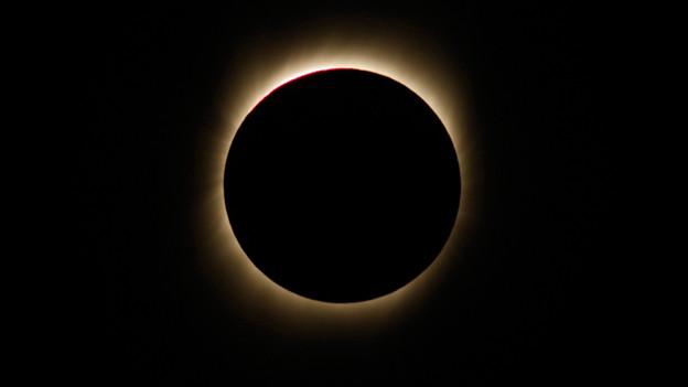 Morgen kann auf der Südhalbkugel eine totale Sonnenfinsternis bestaunt werden.