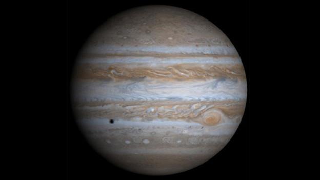 Jupiter – der grösste Planet unseres Sonnensystems – mischt diese Woche fleissig mit.