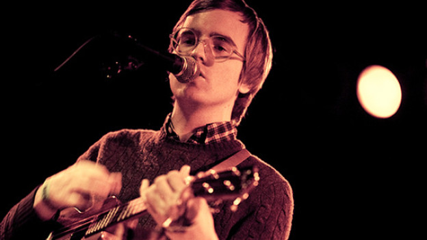 Macht modernere Musik, als was seine Brille andeutet: der Amerikaner Dent May.