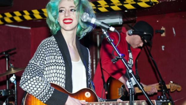 Eine gewisse Ähnlichkeit mit Lady Gaga ist nicht zu verleugnen. Aber nur optisch, nicht akustisch.