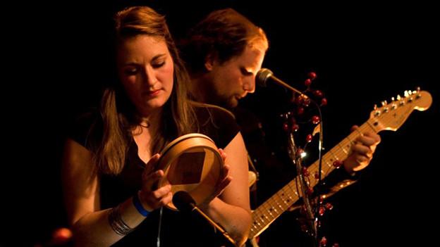 Ein neues Duo aus St. Gallen, benannt nach der zerquetschten Amsel Hagebutte.