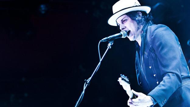 Bei Jack Whites Album «Blunderbuss» sind sogar das Cover und die Bühnenshow durchgehend blau.