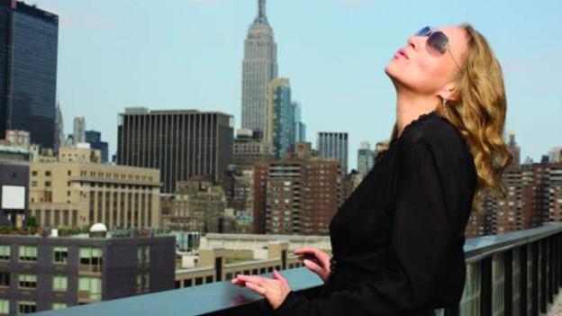Joan Osborne besinnt sich auf ihre musikalischen Wurzeln.