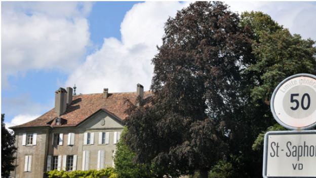 St-Saphorin-sur-Morges ist weniger berühmt, dafür hat es ein Schloss. (Foto © Dres Balmer)