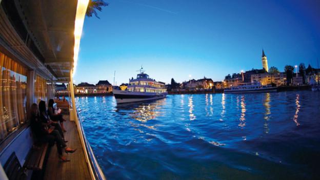 Der Hafen von Romanshorn ist auch nachts einen Besuch wert.