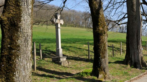 Der Chemin des Croix von Delémont hinauf nach Le Vorbourg bietet eine Reise durch die Jahrhunderte.