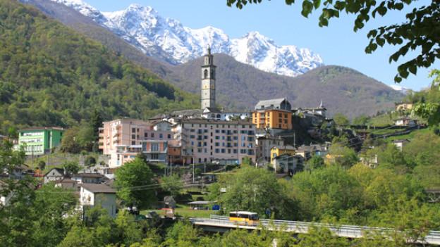 Blick auf das Dorf Intragna.