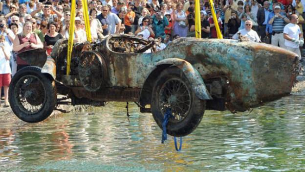 Der Bugatti Typ 22 Brescia wurde 2009 aus dem Largo Maggiore geborgen. Die Bergung des Oldtimers wurde von der Fondazione Damiano Tamagni organisiert.