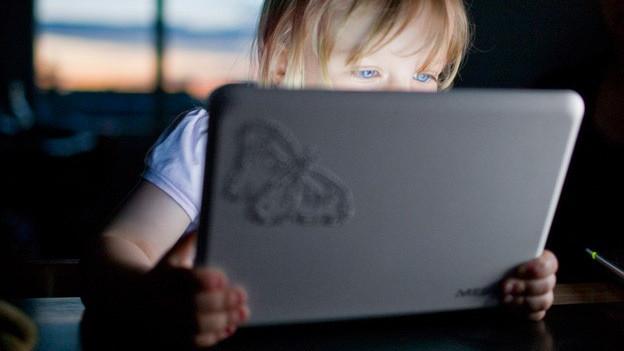 Früh übt sich: Kinder wissen oft besser mit Computern umzugehen als ihre Eltern.