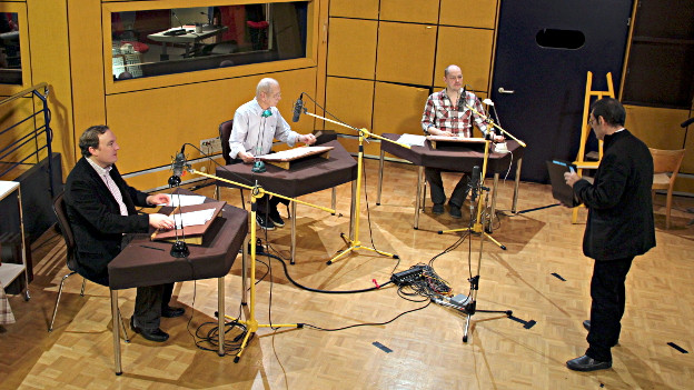 Regisseur Claude Pierre Salmony (r.) mit den Darstellern Christian Ahler, Jodoc Seidel und Godehard Giese (v.l.n.r.)