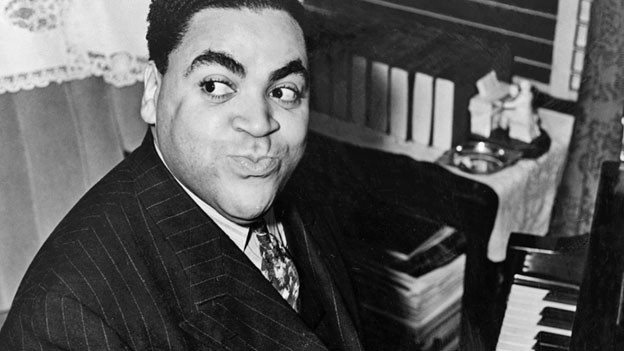 Grosser Entertainer am Piano, aber auch genialer Hit-Komponist: Fats Waller, 1938.
