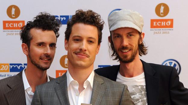 Das Trio Rusconi (mit Stefan Rusconi, Mitte; Claudio Strueby, li., Fabian Gisler, re.) als Echo-Jazz-Gewinner, 2011.