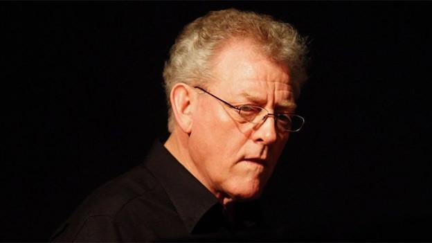Der englische Pianist John Taylor, 2008.