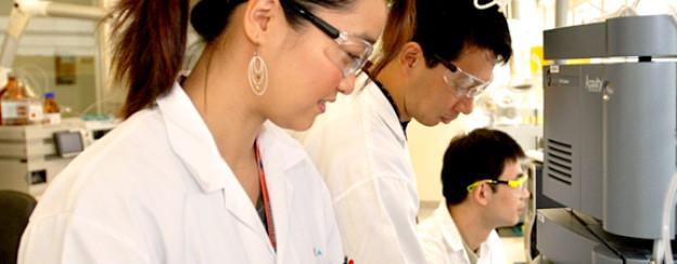 Forscher im Novartis Institut für Tropenkrankheiten in Singapur.