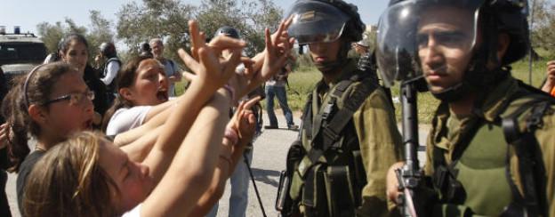Proteste gegen israelische Soldaten in den besetzten Gebieten.