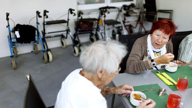 Ein Modell für die Zukunft: Nicht nur Studenten, auch Senioren wohnen wieder vermehrt in WGs.