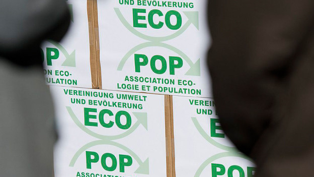 Die Ecopop-Initiative gegen Überbevölkerung wurde am Freitag 2. November 2012 in Bern eingereicht.