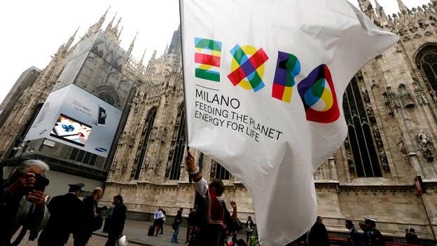 Giovanni Tizian beschreibt, wie die Mafia in den letzten Jahren Norditalien geradezu erobert hat. Alle Baustellen in Mailand für die Expo 2015 seien in Mafia-Hand.