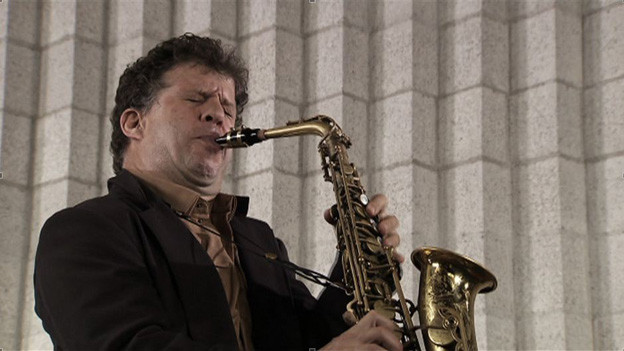 Bedingungslose Hingabe an den musikalischen Moment: Omri Ziegele.