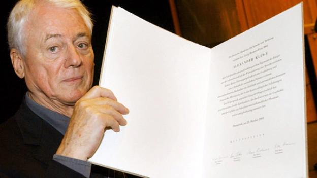 Alexander Kluge bei der Verleihung des Büchner-Preises 2003.