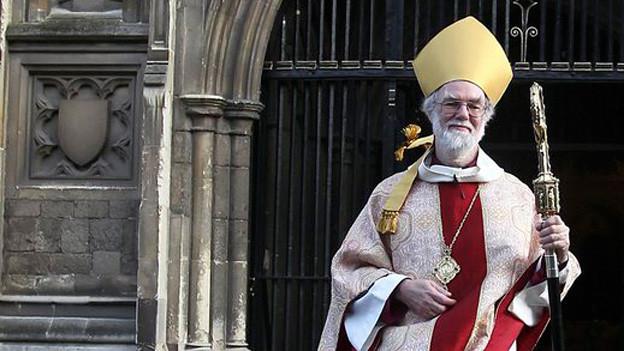 Rowan Williams verlässt die Canterbury Kathedrale nach seiner letzten Weihnachtszeremonie.