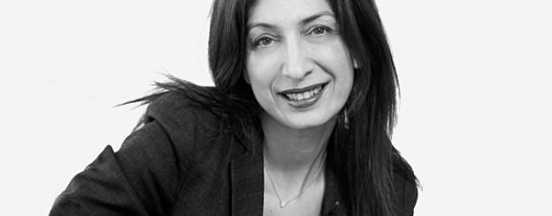 Kathy Zarnegin, in Teheran geboren, lebt seit sie 15 ist in der Schweiz.