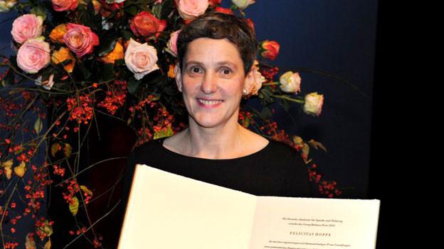 «Ich  wollte nie Schriftstellerin werden, ich war das einfach schon  immer»: Felicitas Hoppe erhielt den Georg-Büchner-Preis 2012.