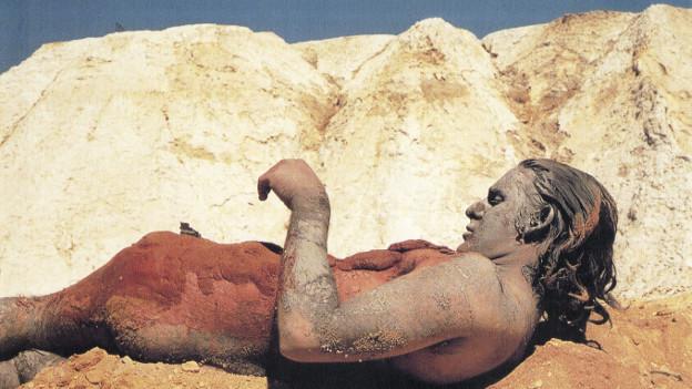 Charles Simonds Landscape <->Body<-> Dwelling, 1973 Filmstill
