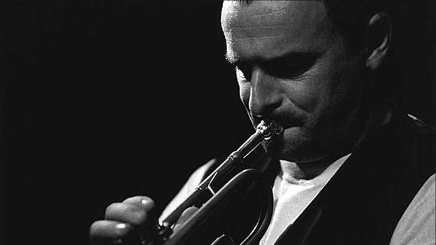 Matthieu Michel aus Freiburg ist ausserhalb der Szene kaum bekannt. Dabei ist er einer der besten Jazztrompeter, den die Schweiz je hatte.