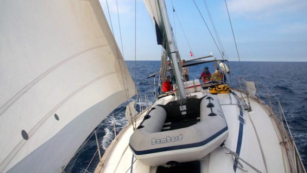 Vor den Küsten Südfrankreichs: Die SY Johya auf Expedition.