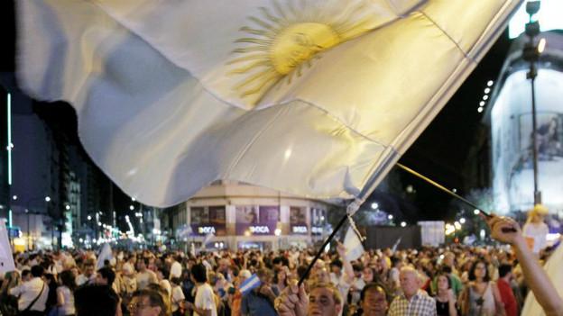 Hunderttausende Argentinier demonstrieren gegen ihre Regierung