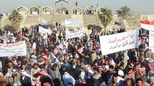 In Kirkuk demonstrieren Iraker für die Freilassung politischer Gefangener