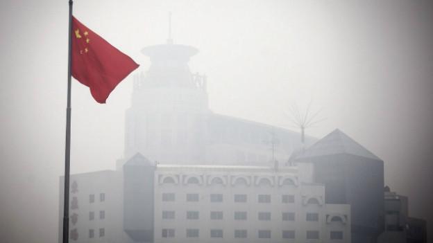Die Bevölkerung Pekings soll wegen Smogs drinnen bleiben.