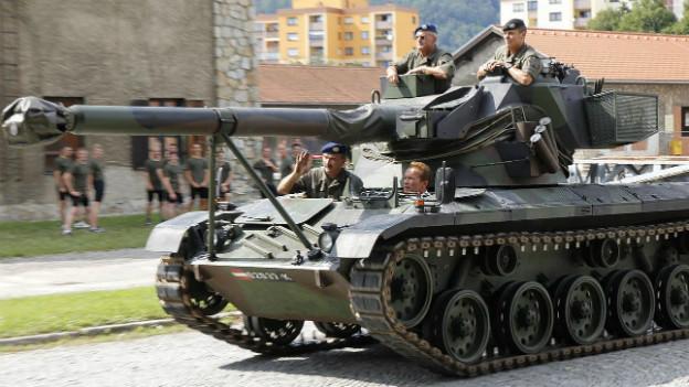 Panzer in der Nähe der Belgier-Kaserne in Graz im August 2012.