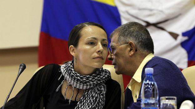 Dialog trotz Krieg: FARC-Mitglieder beraten sich.