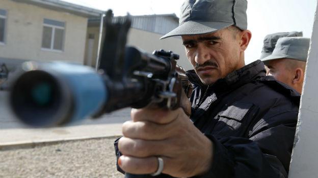 Afghanischer Polizeioffizier in einem Trainingscamp der deutschen Bundeswehr.