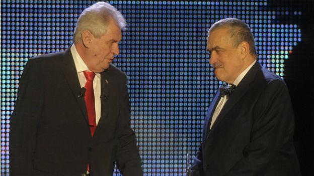 Milos Zeman und Karel Schwarzenberg bei einem TV-Duell.