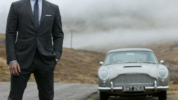 Ein Mann, ein Auto