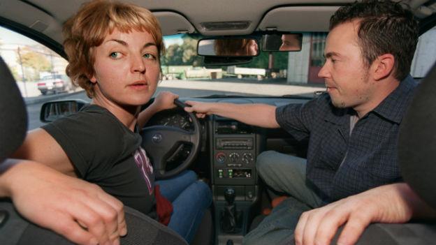 SUVA: Autofahrerinnen haben höheres Unfall-Risiko
