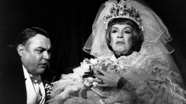Aufführung 1995 am Zürcher Schauspielhaus: In der Hauptrolle die deutsche Schauspielerin Maria Becker.