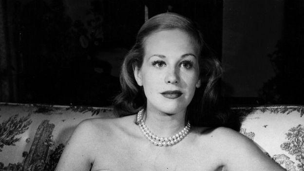Die Schauspielerin Hildegrad Knef 1949 in ihrem Haus in Beverly Hills.