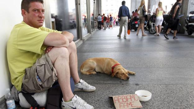Auch in Italien steigt die Zahl der Menschen, die keine Arbeit und kein Zuhause haben.